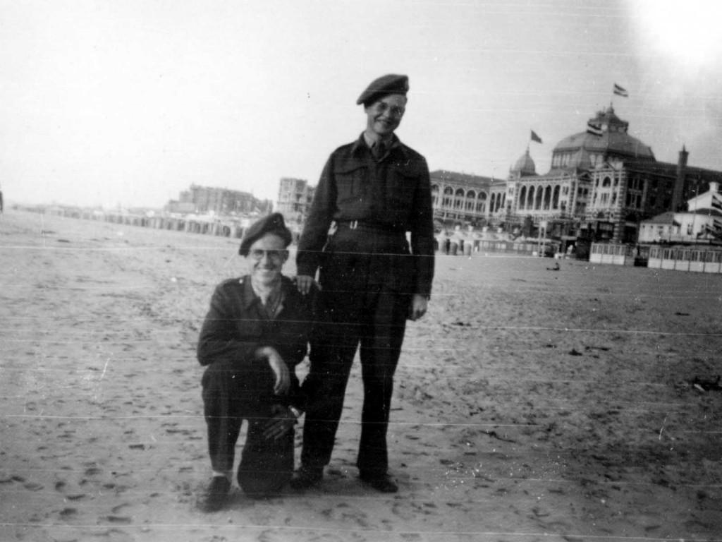 Karel als soldaat in Scheveningen