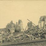 De verwoeste kerk in Wanssum. (Foto: Beeldbankwo2.nl)