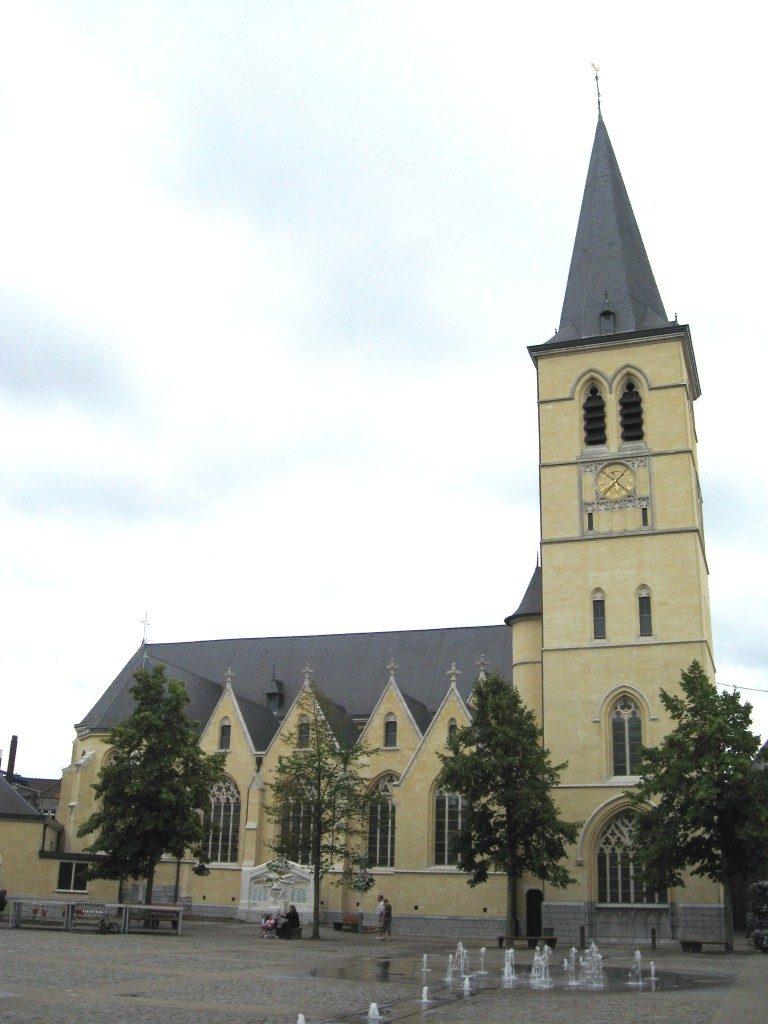 Sint Michielskerk, Bree. Foto: Sonuwe (Wikimedia Commons).